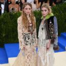 Mary-Kate and Ashley Olsen – 2017 MET Costume Institute Gala in NYC - 454 x 666