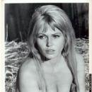 Margaret Blye - 454 x 572
