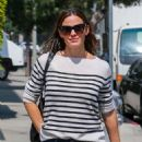 Jennifer Garner – Out in Beverly Hills