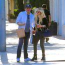 Avril Lavigne and boyfriend Phillip Sarofim – Out in Beverly Hills - 454 x 351