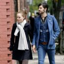 Natalie Portman And Devendra Banhart Holding Hands In NYC, 2008-05-01 - 454 x 684
