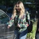 Khloe Kardashian is spotted leaving a studio in Los Angeles, California on March 28, 2017 - 454 x 595
