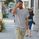 Scott Disick is seen out and about on October 13, 2016 - 394 x 600