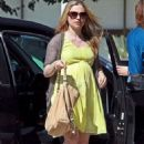 Anna Paquin taking a morning trip out in Los Angeles (August 27) - 454 x 681