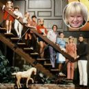 The Brady Bunch With Oliver - 400 x 400