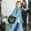 Nicole Richie – Arrives at JFK airport in New York - 454 x 681