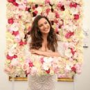 Kelly Brook – Chelsea Flower Show in London - 454 x 511