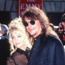 Heather Locklear and Richie Sambora - 454 x 691