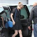 Taylor Swift grabbed a bite to eat at Toast restaurant in Los Angeles, February 15