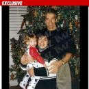 Arnold Schwarzenegger and Mildred Patricia Baena - 2000 Christmas - 454 x 466