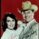 Larry Hagman, Linda Gray - 454 x 610