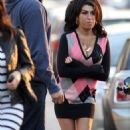 Amy Winehouse Checks Back Into Rehab