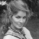 Priscilla Presley - 383 x 480