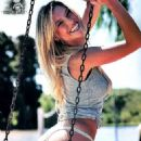 Lorena Wells - 454 x 781