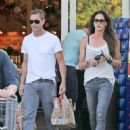 Aaron Eckhart spotted at Bristol Farms on Beverly Hills, California on August 5, 2016 - 452 x 600