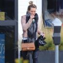 Hilary Duff stops by a gym for a workout in Studio City, California on January 24, 2017 - 434 x 600