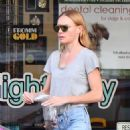 Kate Bosworth – Out in Studio City - 454 x 555