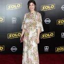 Alexandra Daddario – 'Solo: A Star Wars Story' Premiere in Los Angeles - 454 x 614