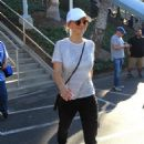 Kaley Cuoco – Arrives at Dodger Stadium for the World Series in LA - 454 x 653