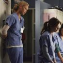 Grey's Anatomy S03E24 - 454 x 311