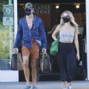 Annabelle Wallis and Chris Pine – Shopping in Los Angeles - 454 x 487