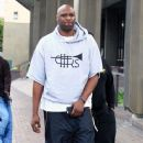 Lamar Odom is spotted out filming a new reality tv show in Beverly Hills, California on January 9, 2017 - 363 x 600