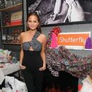 Chrissy Teigen Shutterflys Wine Dine and D I Y Design Holiday Event In Nyc