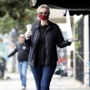 Jane Lynch – Leaves King's Road Cafe in Los Angeles - 454 x 681