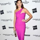 Teri Hatcher – 2018 Children's Hospital Los Angeles 'From Paris With Love' Gala - 454 x 679