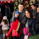 Lacey Chabert as Hannah Dunbar in Family for Christmas