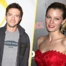 Topher Grace and Ashley Hinshaw - 454 x 337