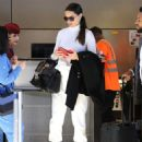 Adriana Lima – Arrives at LAX Airport in Los Angeles - 454 x 596