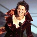 Juliette Binoche accept the Oscar of best supporting actress At The 69th Annual Academy Awards ceremony March 24, 1997 - 454 x 303
