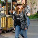 Jessica Chastain and her husband Gian Luca Passi de Preposulo at Disneyland - 454 x 681