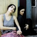 Shannyn Sossamon and her sister Jennifer Lindberg