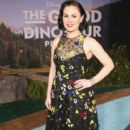 Anna Paquin in The World Premiere of Disney-Pixar's 'The Good Dinosaur' at El Capitan Theatre - 405 x 600