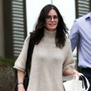 Courteney Cox – Shopping on Melrose Place in West Hollywood