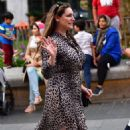Kelly Brook – Arrives at Global Radio in London - 454 x 732