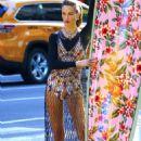 Carolyn Murphy – Photoshoot for Harper's Bazaar Fashion Story in NY - 454 x 681