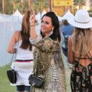Lisa Rinna and Kyle Richards – 2018 Coachella Festival in Indio - 454 x 513