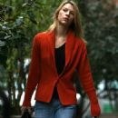 Claire Danes Walking Home In New York, 2007-10-03