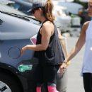 Sarah Michelle Gellar – Leaving a Gym in Santa Monica 7/10/2016 - 454 x 660