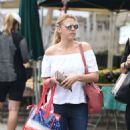 Jodie Sweetin – Shopping at Farmer's Market in Studio City