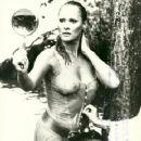 Ursula Andress - 361 x 480