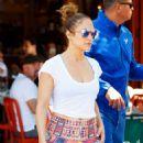 Jennifer Lopez in Leggings Out in New York City - 454 x 607