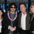 Camelia Kath and Jeff Lynne - 454 x 296