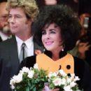 Elizabeth Taylor and Larry Fortensky - 454 x 302