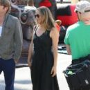 Alicia Silverstone at the farmer's market in Studio City, California on August 28, 2016 - 400 x 600