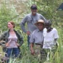Anne Hathaway on the set for 'The Last Thing He Wanted' in San Juan - 454 x 303