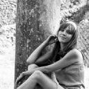 Anna Karina - 454 x 672